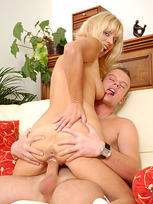 Amazing Blonde Female Kitten Merilyn Gets Nice Licked and Hot Rammed In Twat
