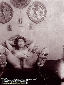 Super Sexy Naked Beauty Vintage Photos in Porno of Year 1920