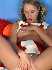 Naughty Cheerleader Shows Her Sexual Desire in Passion