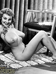 Gigantic Boobs of the Popular Slut in Vintage Screen